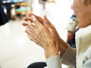病院の高齢者